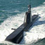 韓国海軍、最新鋭214級(1800t)潜水艦。日本海で故障しタグボートに引かれて帰港