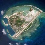 南シナ海で中国の大量の船が集結し違法建造物を作る フィリピン困惑