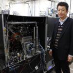 東京大学の光格子時計を使いスカイツリーの人は地上の人より1日10億分の4秒 未来に生きてると証明
