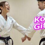 長野じゅりあさんTikTok動画で蹴りの瞬間、アソコが見えちゃってるw