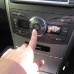 約5分で快適! 炎天下に駐車後、すぐに車内を冷やす「エアコン」の正しい使い方  [156193805]