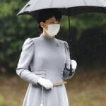 眞子さま、昭和天皇と香淳皇后に小室圭さんと結婚すると報告! 雨の中、武蔵野稜を参拝  [271912485]